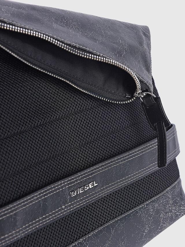 Diesel - L-BLAID RANNER CLUTC, Black Leather - Clutches - Image 3