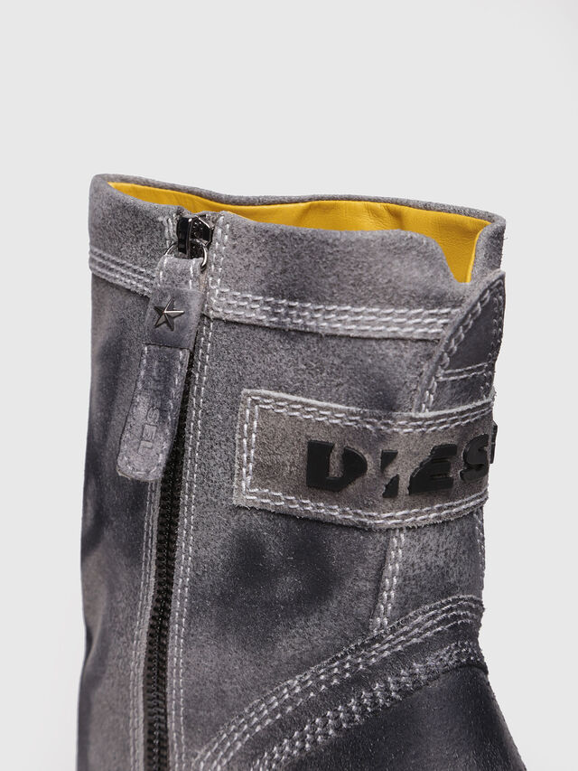 Diesel - D-FLAMINGO B, Grey Melange - Ankle Boots - Image 4