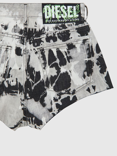 Diesel - DE-HIGWEI, Black/White - Shorts - Image 4