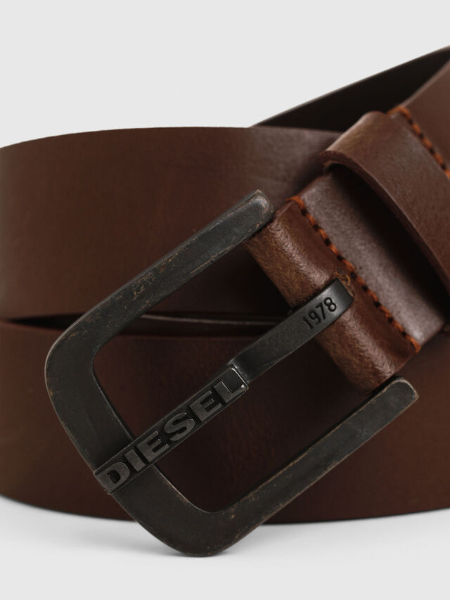 B-DART, Brown Leather