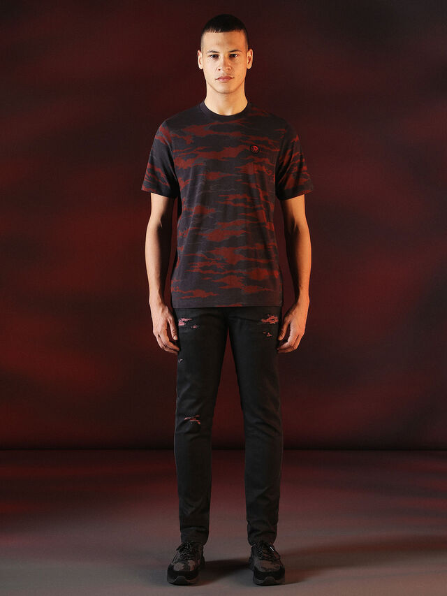 Diesel - DVL-TSHIRT-CAMU-SPECIAL COLLECTION, Red/Black - T-Shirts - Image 4