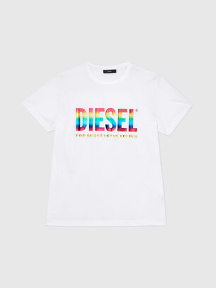 https://hr.diesel.com/dw/image/v2/BBLG_PRD/on/demandware.static/-/Sites-diesel-master-catalog/default/dwa06fcb1b/images/large/00SLT1_0GAYL_100_O.jpg?sw=306&sh=408