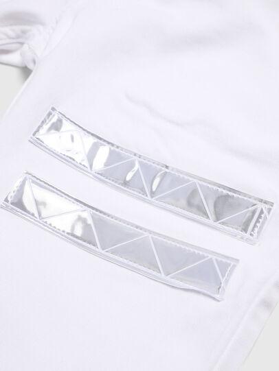 Diesel - KROOLEY-NE-J SH-T JJ, White - Shorts - Image 3