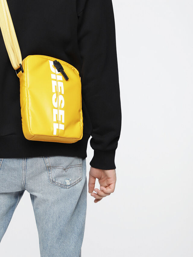 Diesel - F-BOLD SMALL CROSS, Honey - Crossbody Bags - Image 5